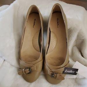 ThomMcAn Olga Women's Shoes Taupe Sz. 11